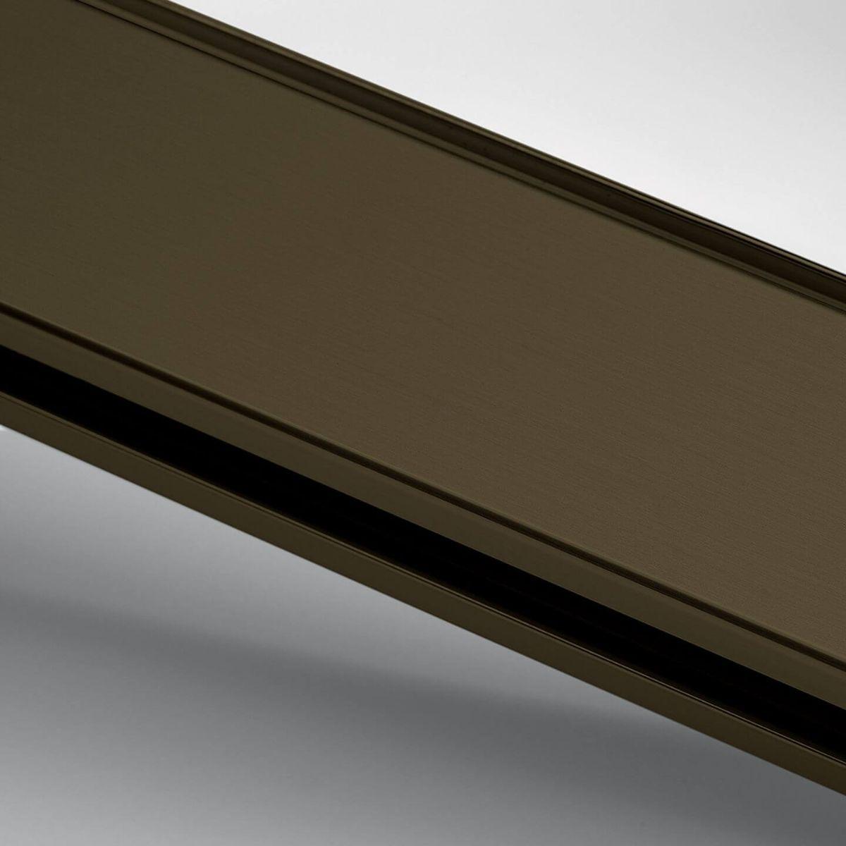 Finitura alluminio anodizzato bronzo per parete in vetro