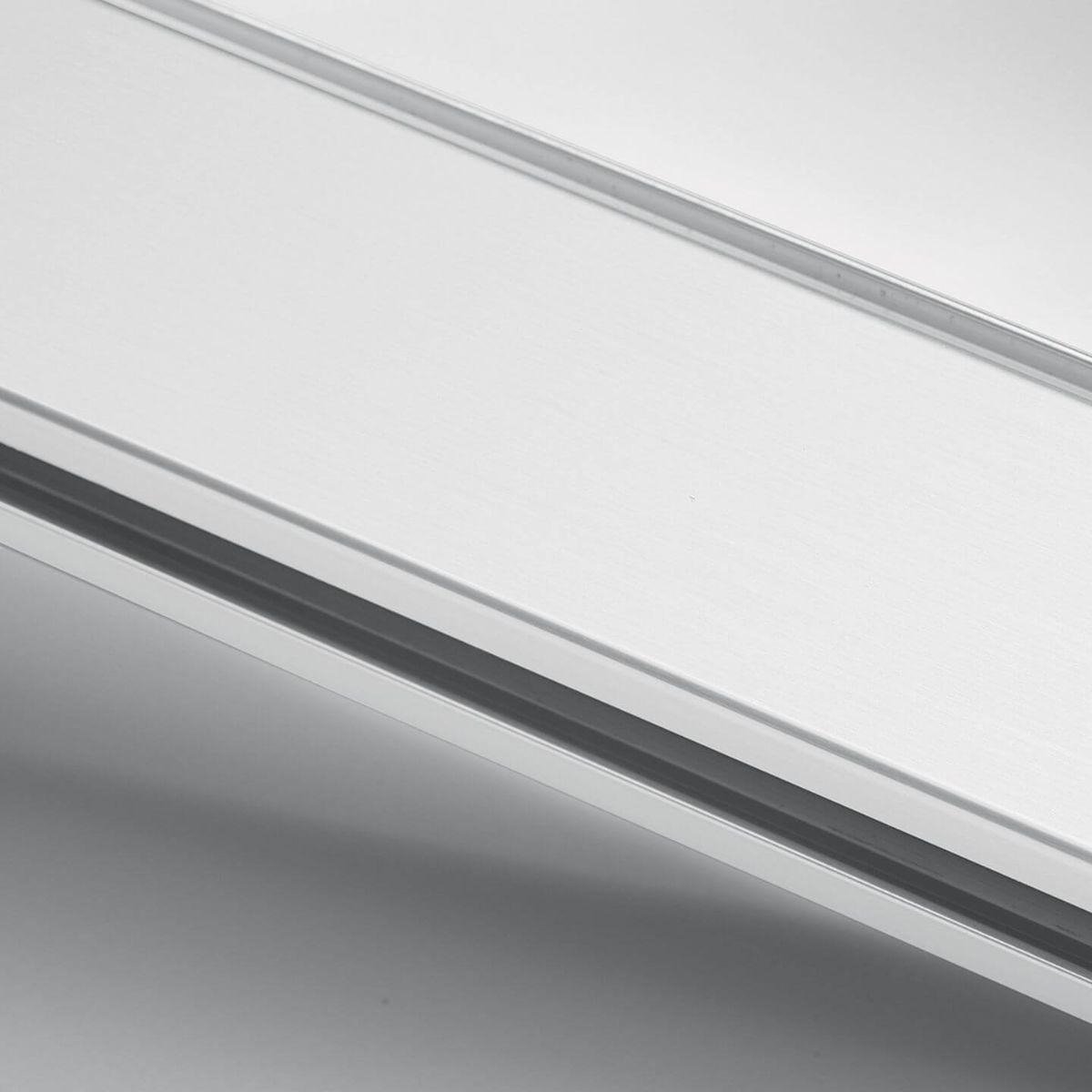 Finitura alluminio verniciato bianco per parete in vetro