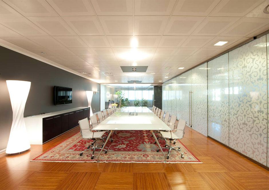 La nostra storia vetroin leader arredo ufficio in vetro for Design ufficio vetro