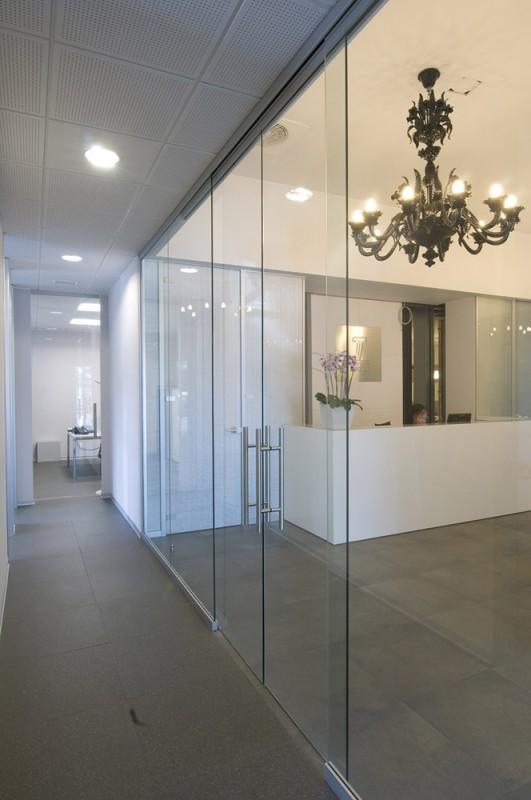 Gruppo turra vetroin leader arredo ufficio in vetro e for Arredo plast spa