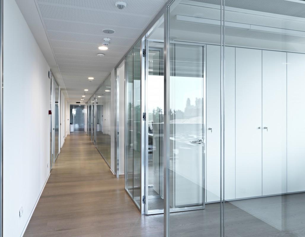 Oderzo vetroin leader arredo ufficio in vetro e design for Interni ufficio design