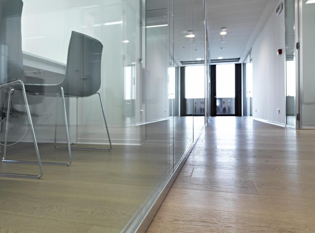 Oderzo vetroin leader arredo ufficio in vetro e design for Arredo plast spa