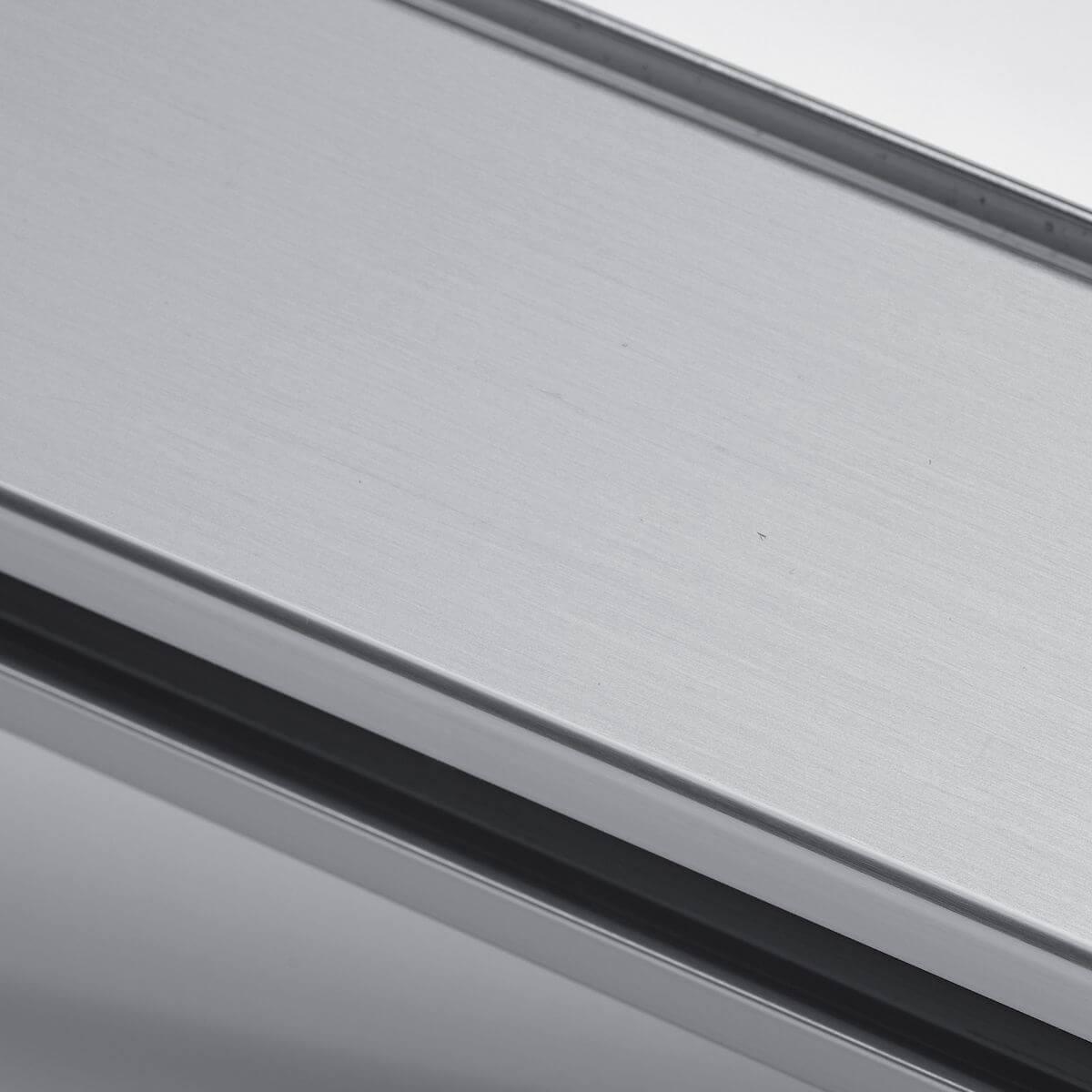 Finitura alluminio naturale per parete in vetro