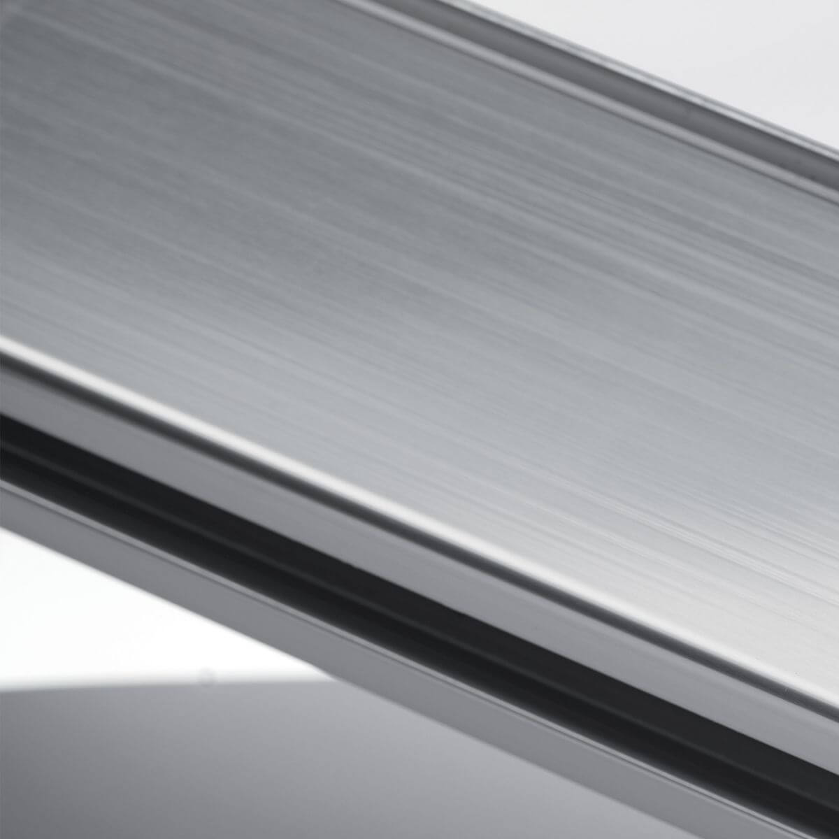 Finitura alluminio lucido per parete in vetro