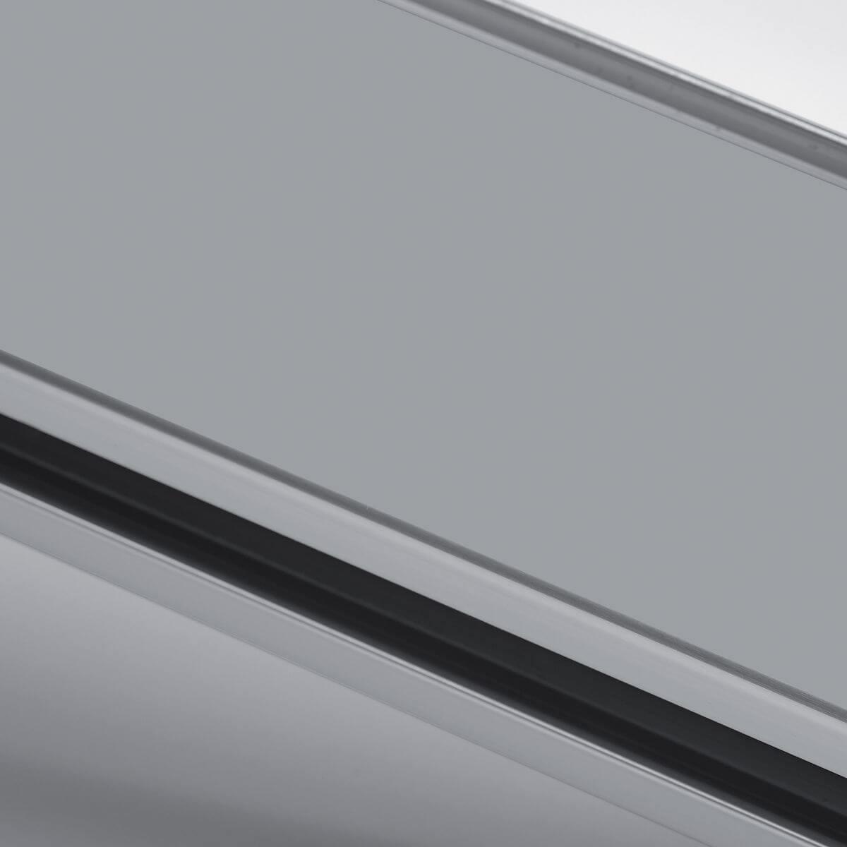 Finitura alluminio grigio ral 9006 per parete in vetro
