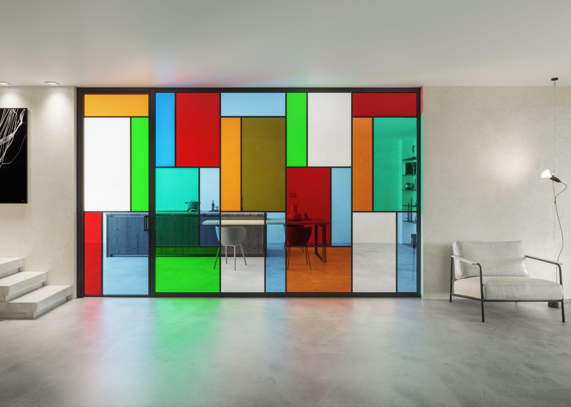 Truelight Colors, le pareti divisorie in vetro colorato per uffici e spazi di lavoro
