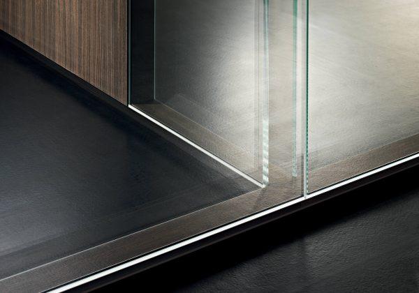 Particolare parete in vetro INWALL.