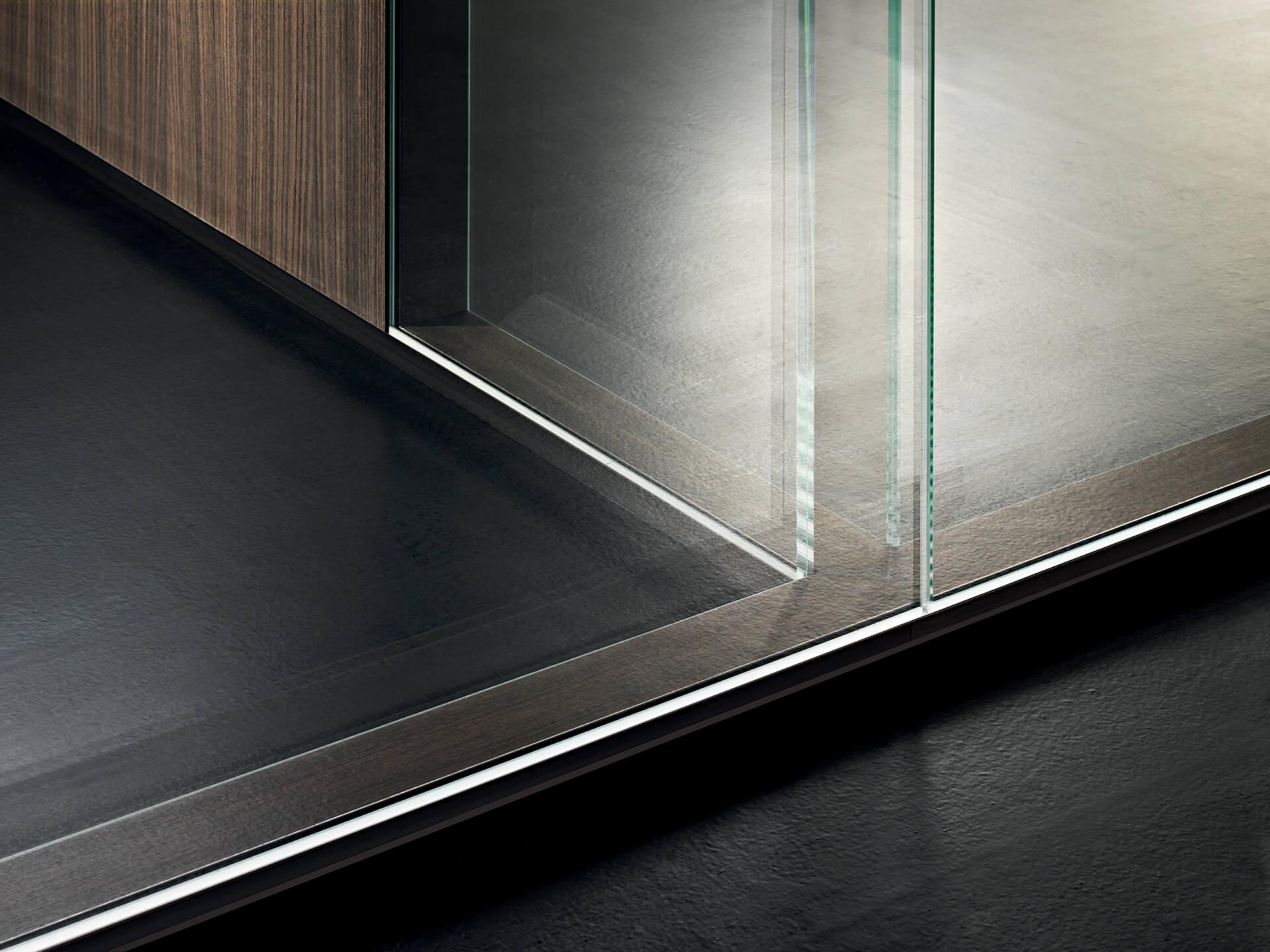 INWALL: test di resistenza sulle pareti divisorie in vetro
