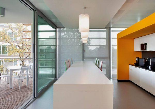 Pareti divisorie in legno e vetro azienda Symantec - Evolvinwall