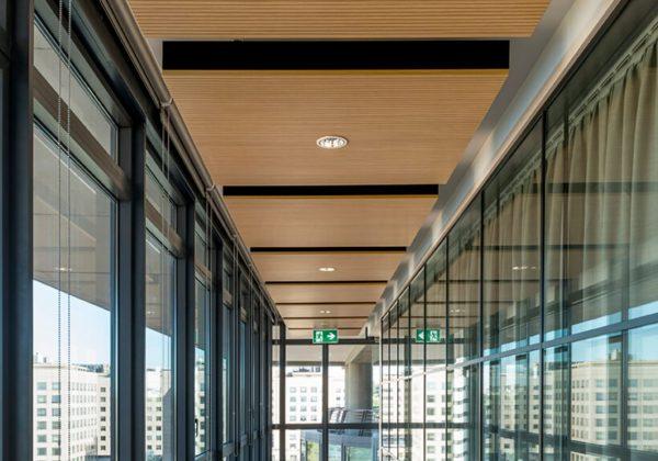 Pareti divisorie in legno e vetro azienda Oracle - Evolvinwall