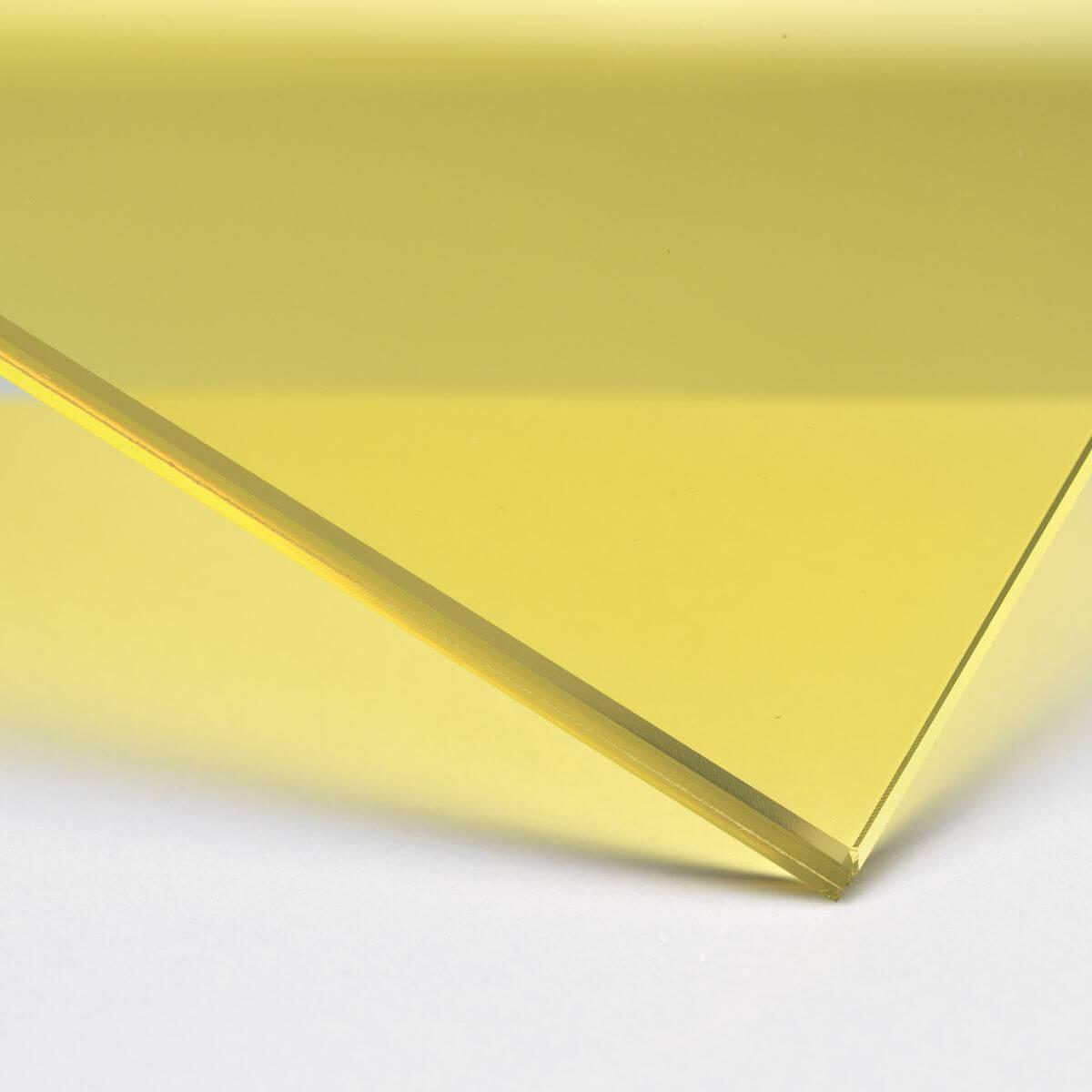 Finitura: Vetro con pellicola interna gialla trasparente