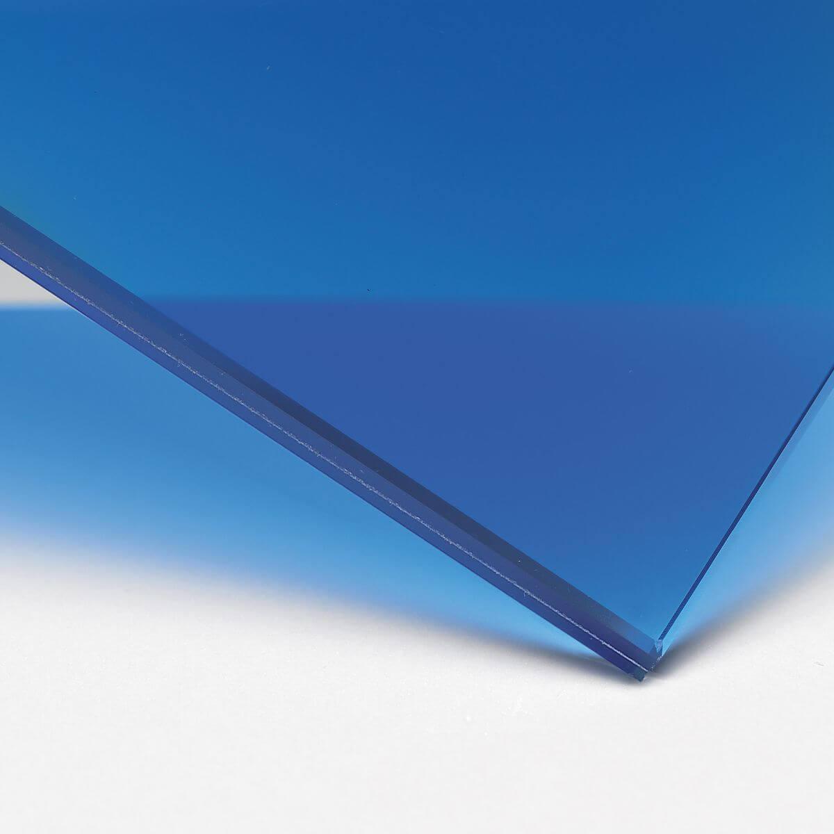 Finitura: Vetro con pellicola interna blu trasparente